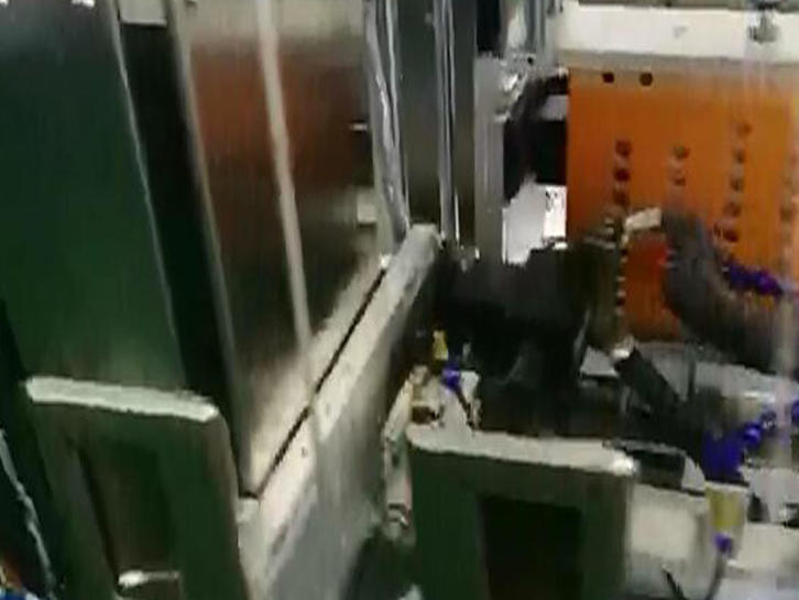 Li Ion Battery Manufacturing Process-Cell Spot-welding